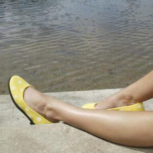 Ballerina med hvide prikker fra ShoeShoe
