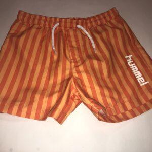 Orange shorts med striber til drenge fra hummel